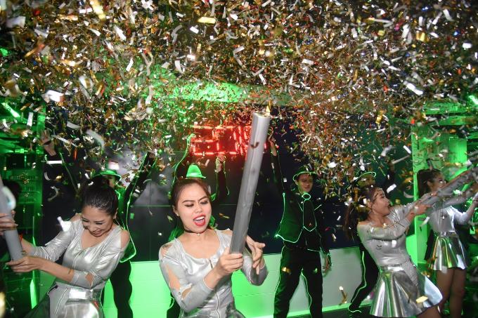 Dàn sao Việt đón năm mới tại The World of Heineken - 6