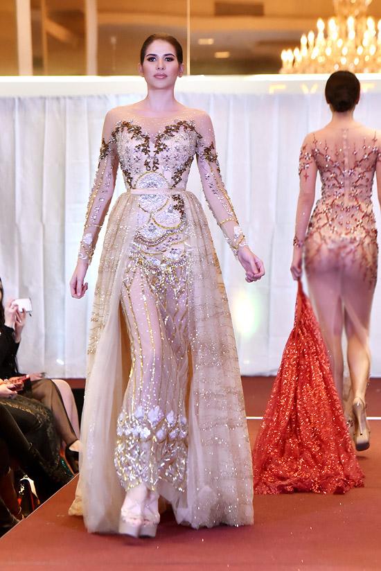 Hoa hậu Puerto Rico, Nathalia Banchs diện bộ cánh xuyên thấu với chi tiết đính kết tỉ mỉ.