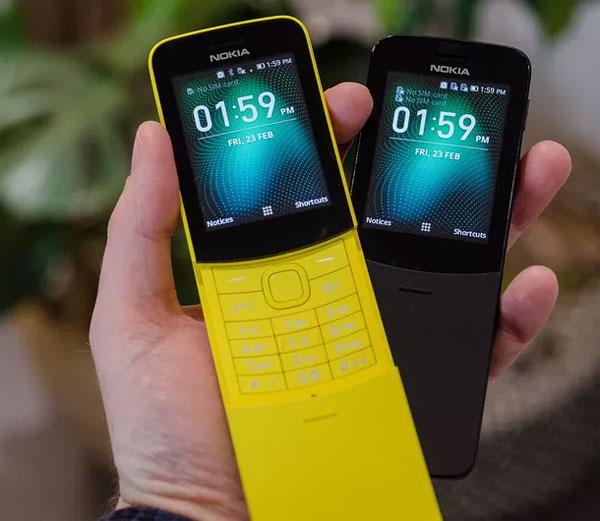 Nokia 8110 là mẫu điện thoại khá nổi tiếng, từng xuất hiện trong bộ phim Ma trận vào năm 1999, sử dụng bởi nhân vật Neo (Keanu Reeves thủ vai). Máy ra mắt năm 1996 với các tính năng chỉ ở mức cơ bản như công nghệ GSM, dùng mini-sim, màn hình đơn sắc 4x13 ký tự, danh bạ 125 số, nhạc chuông đơn âm, pin 400 mAh... Nhưng ở thời điểm đó, máy được xem là bom tấn.