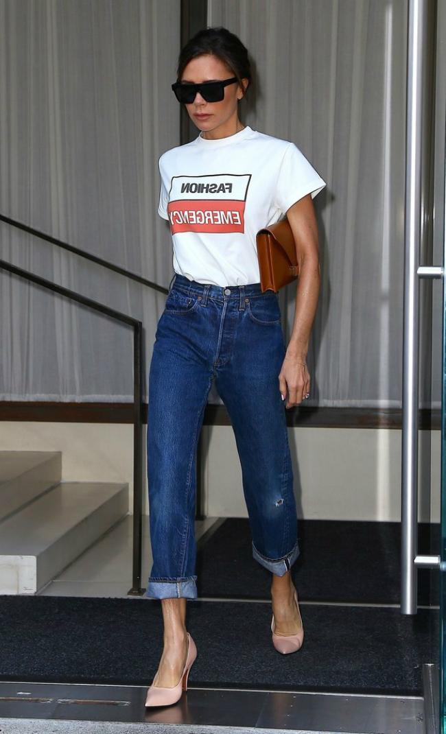 Không giặt quần jeans là cách Victoria Beckham làm để giữ dáng cho item này.