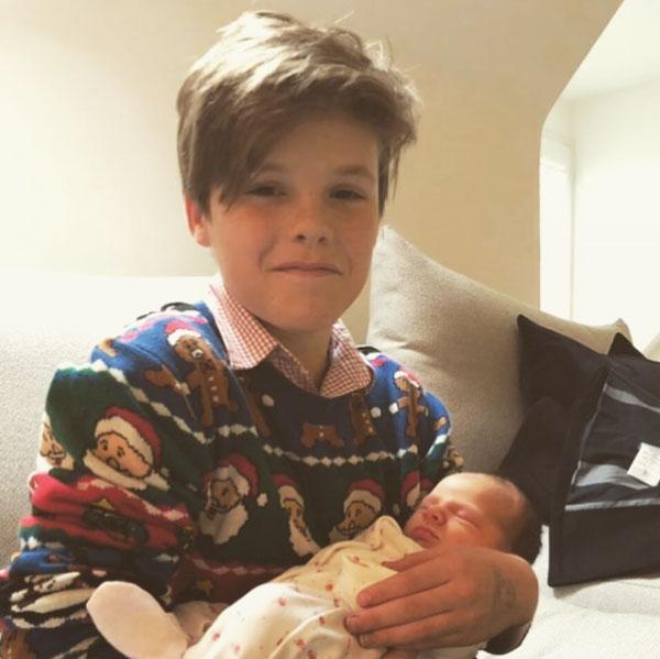 Trên Instagram, Joanne cũng đăng ảnh nhóc Cruz và con gái Peggy đi kèm lời chúc sinh nhật tới cháu trai đặc biệt, hài hước, chu đáo.