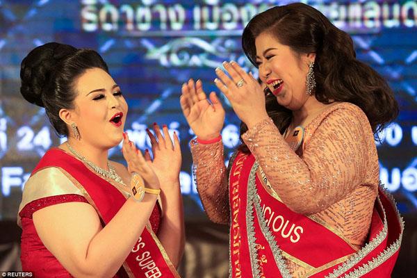 Hơn 100 phụ nữ ngoại cỡ Thái Lan tuần qua cùng nhau tranh tài để trở thành quán quân cuộc thi Miss Jumbo 2018, diễn ra ởtỉnhNakhon Ratchasima. Đây là cuộc thi thường niên, được tổ chức nhằmtìm ra người có các phẩm chất của loài voi nhất.