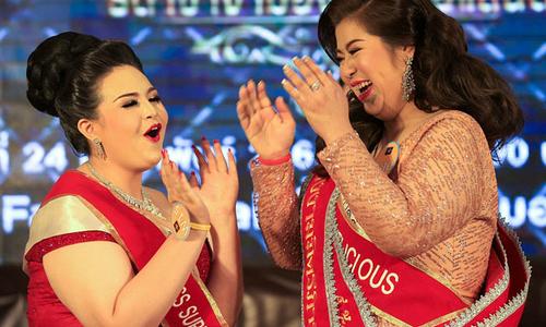Phụ nữ béo Thái Lan tranh ngôi người giống voi nhất
