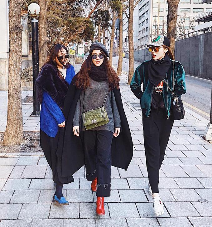 Ba cô nàng sành điệu Kỳ Duyên - Diệp Lâm Anh và Hà Lade tự tin sải bước trên đường phố Seoul (Hàn Quốc).