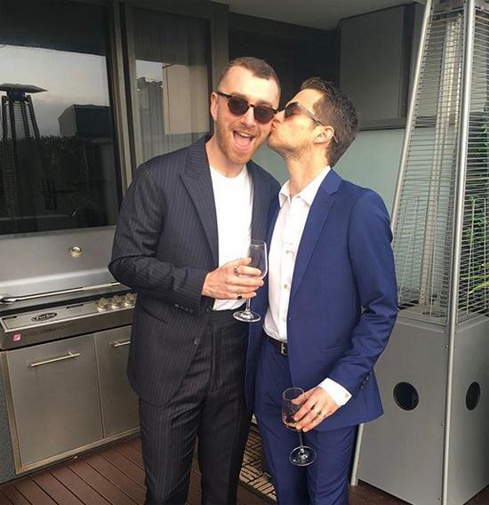 Brandon Flynn chia sẻ trên Instagram những phút giây hạnh phúc bên người yêu trong ngày đầu năm mới.