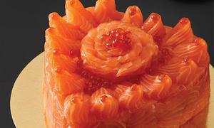 'Bánh sinh nhật' làm từ sashimi cá hồi khiến tín đồ Nhật Bản phát cuồng