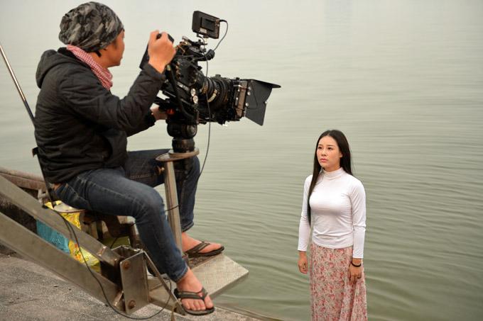 Để có được sản phẩm ưng ý, Hoa Trần cùng ê kíp vài chục người đã vất vả làm việc trong suốt 4 ngày tại nhiều địa điểm khác nhau ở Hà Nội.