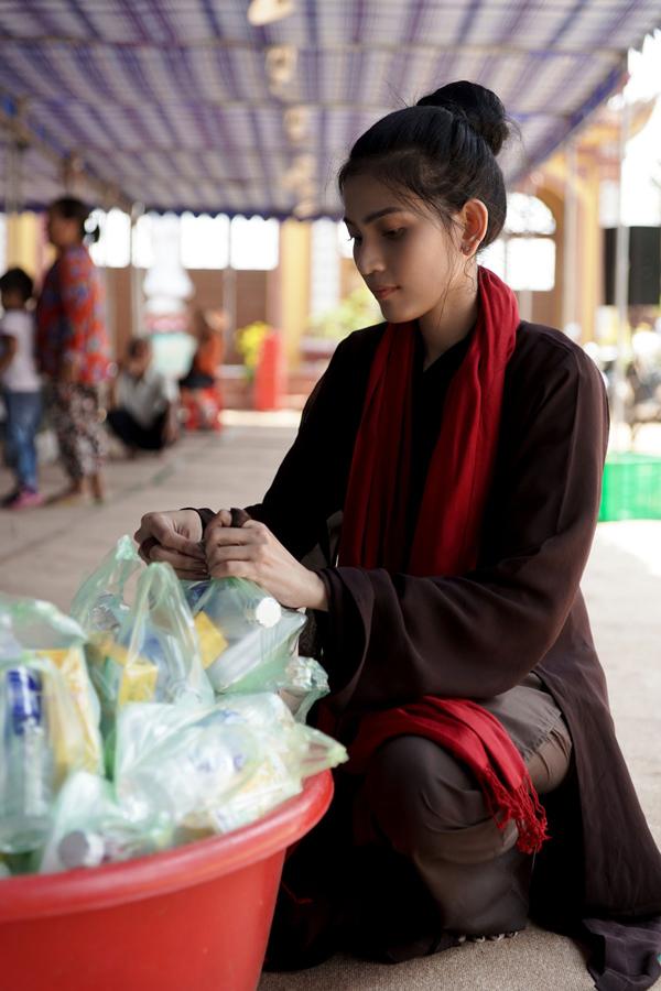 Nhiều năm nay Trương Thị May ăn chay trường, tham gia nhiều hoạt động dành cho Phật tử.