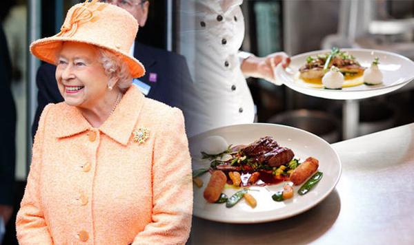 Dùng bít tết cho bữa tối Nữ hoàng thường dùng bít tiếtkiểu Gaelicăn kèm với sốt nấm, kem và whisky cho bữa tối.Đôi lúc bà đổi vị với thịt cừu, thịt bò nướng...