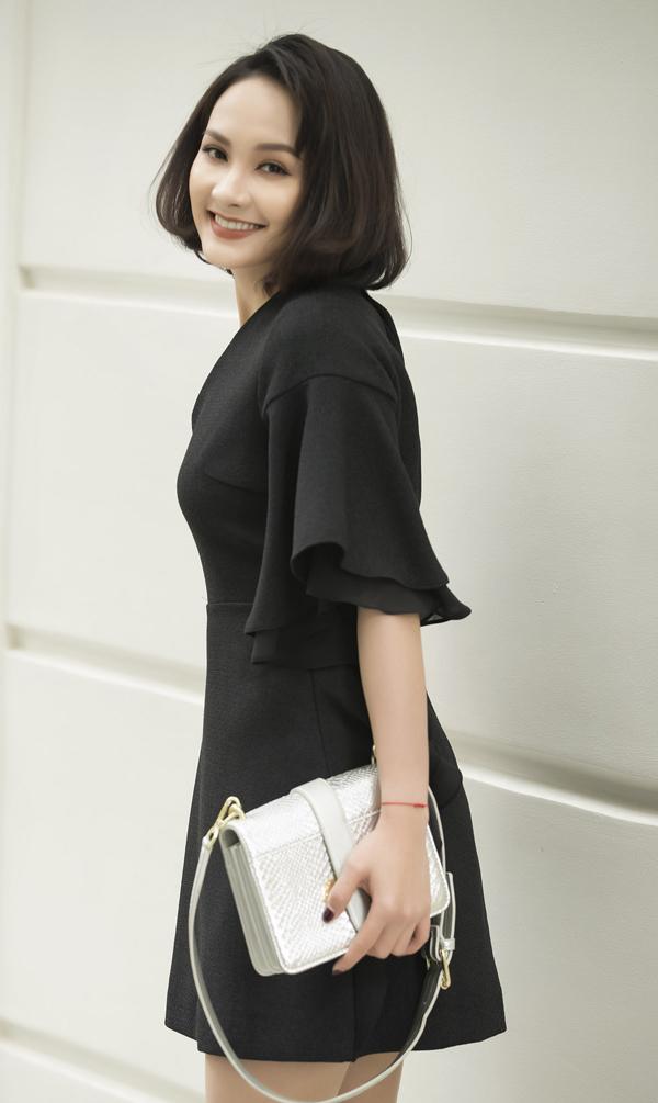 Đầu xuân, diễn viên Bảo Thanh xuất hiện với hình ảnh mới thanh lịch và tươi trẻ trong bộ hình thời trang đến từ thương hiệu được ưa chuộng trong nước.