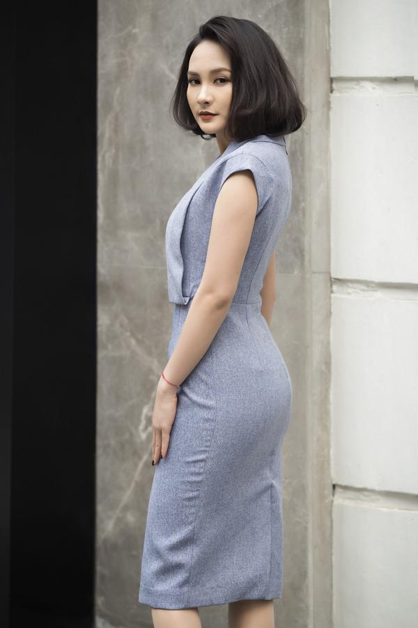 Bộ sưu tập tổng hợp các mẫu váy tông màu đơn sắc, kiểu dáng trang nhã phù hợp với nàng công sở yêu thời trang và mê mặc đẹp.