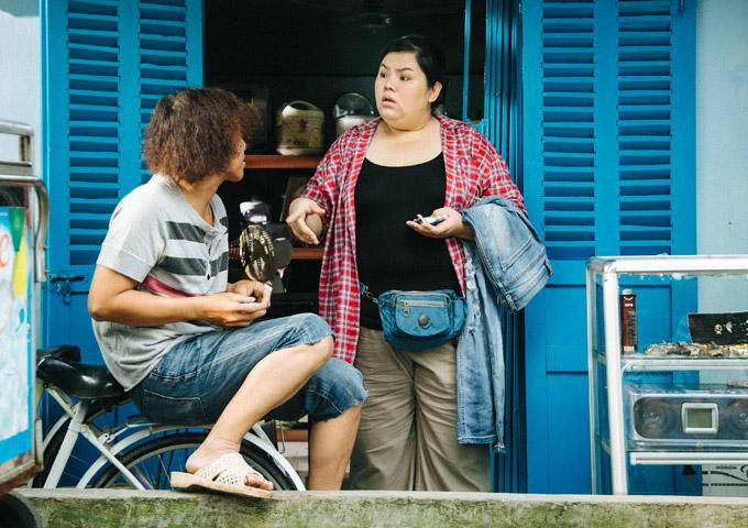 Không gây hài như trong nhiều phim khác, ở Tháng năm rực rỡ Tuyền Mập được giao vai Lan Chi có đời sống tâm lý nặng nề vì cuộc sống nghèo khổ.