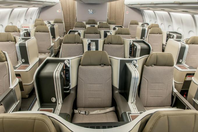 Hãng hàng không có phi hành đoàn đẹp trai nhất thế giới - 9