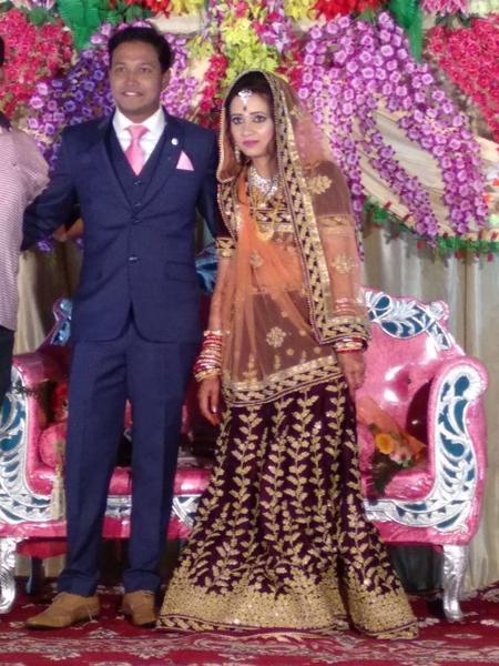 Sahu và vợ trong ngày cưới hôm 18/2. Ảnh: SWNS