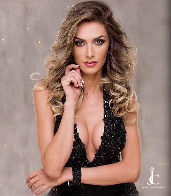 Nhan sắc của cô không kém cạnh nhiều hoa hậu khác ở Brazil.