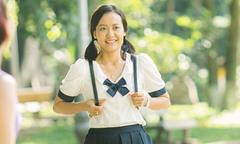 Hồng Ánh mặc đồng phục học sinh, đánh lộn trong phim của Dũng 'Khùng'