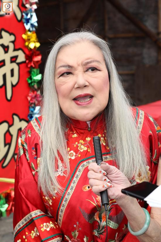 Hai búp bê màn ảnh Hong Kong mặt biến dạng ở tuổi lên lão - 2