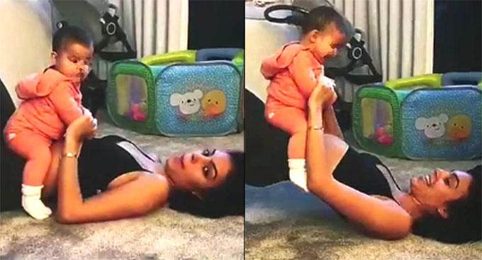 Con gái C. Ronaldo cười khanh khách khi được mẹ làm trò