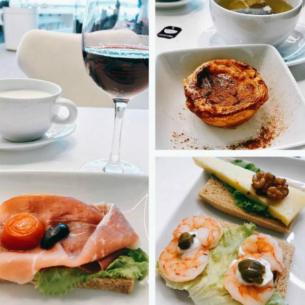 Suất ăn hạng thương gia được phục vụ với nhiều món ăn đắt tiền và cũng bắt mắt hơn.