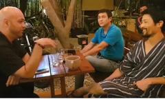 Johnny Trí Nguyễn mặc đồ ngủ tiếp cao thủ Vịnh Xuân tại võ đường