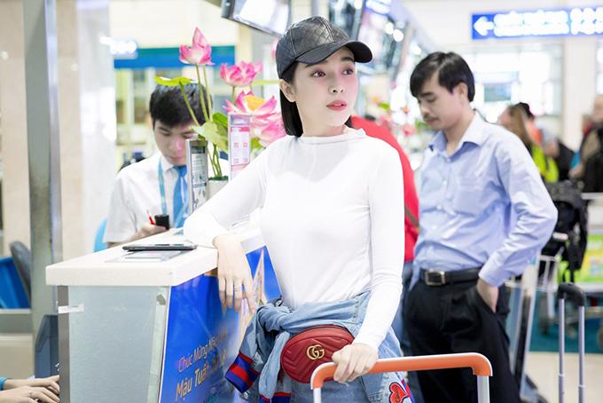 Cao Thái Hà được khán giả yêu mến với vai diễn trong các phim Tiếng đàn kìm, Duyên định kim tiền,Chạm vào danh vọng, Chàng khờ mất vợ....
