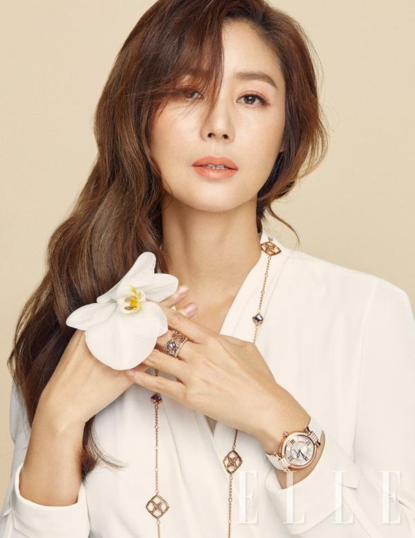 Hoa hậu Hàn Quốc tuổi 51 vẫn eo thon, ngực đầy - 1