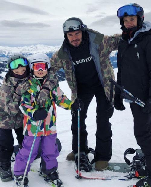 Becks kéo xe trượt tuyếtđánh rơi con gái cưng Harper - 2