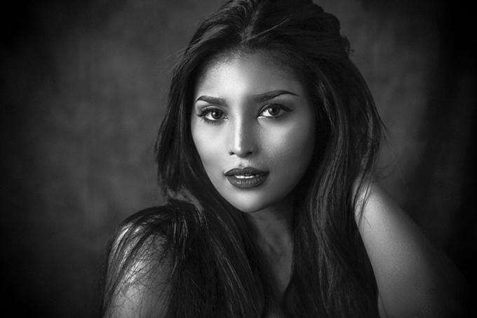 Giống nhiều người đẹp châu Á khác, đại diện của Philippines rất nữ tính.