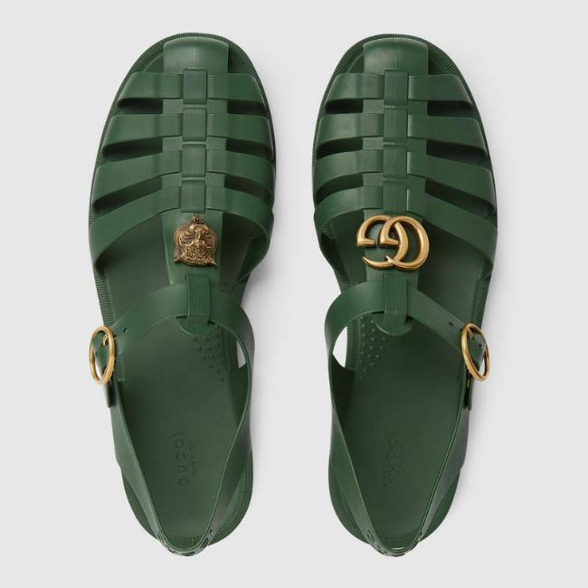 Sandal giá 490 USD của Gucci y chang dép rọ bộ đội Việt Nam