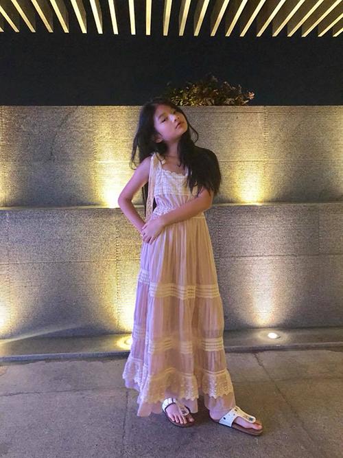 Con gái Devon nhà Trương Ngọc Ánh làm nhiều người phát xuýt xoa vì thần thái hoa hậu kiêu sa, đài các và chuyên nghiệp.