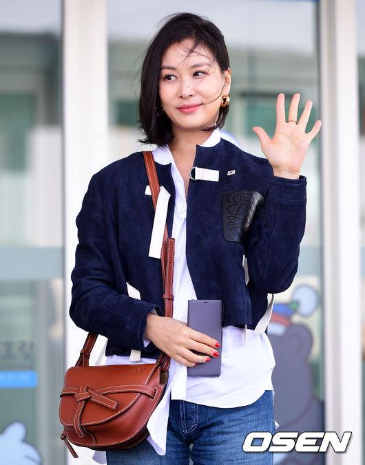 Go So Young vẫn chưa có kế hoạch mới cho diễn xuất sau phim Cô vợ hoàn hảo. Cô thi thoảng đi sự kiện và chủ yếu dành thời gian cho việc chăm sóc tổ ấm với hai con nhỏ.