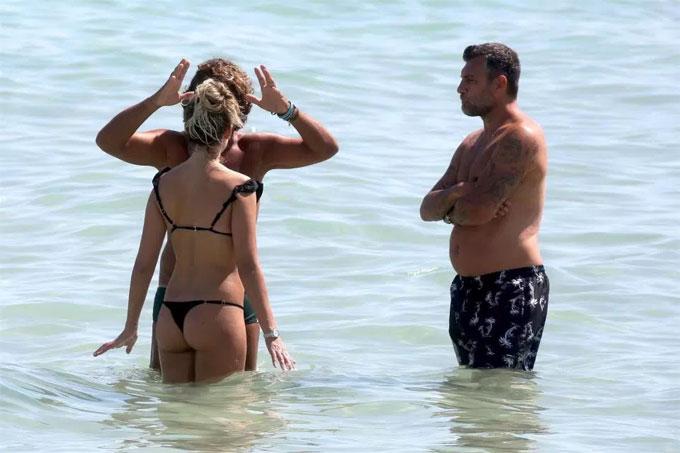 Vieri vàCostanza Caracciolo có kỳ nghỉ ngắn ngày tại bãi biển nước Mỹ mới đây.