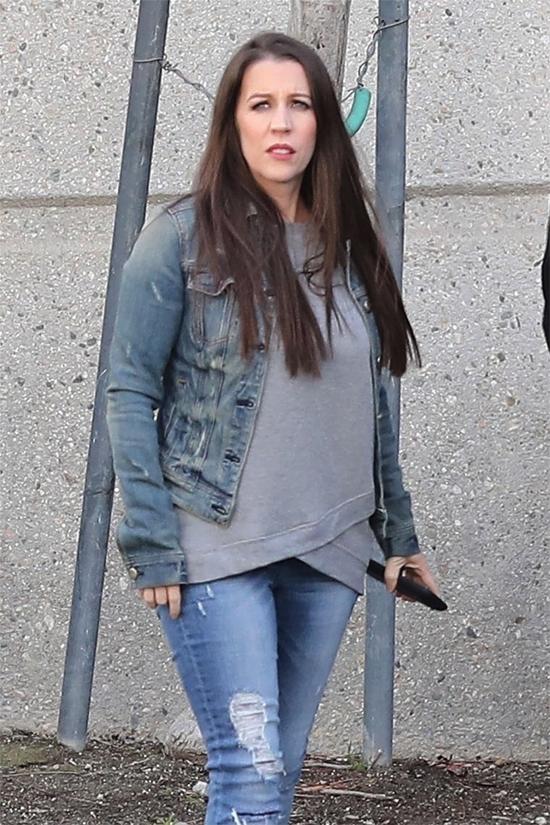 Cô Pattie từng có thời gian bất đồng với Justin Bieber vài năm trước nhưng hai mẹ con đã thân thiếttrở lại vào năm ngoái. Mẹ Justinrất vui khi con trai ngày càng trưởng thành, có những thay đổi tích cực và tìm lại được tình yêu với Selena Gomez. Khác với mẹ Selena, mẹ Justin hết lòng ủng hộ cho sự tái hợp của cặp đôi.