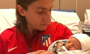 Hậu vệ Atletico Madrid đón đứa con thứ ba