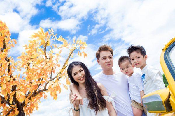 Gia đình hạnh phúc của Đăng Khôi và Thủy Anh.