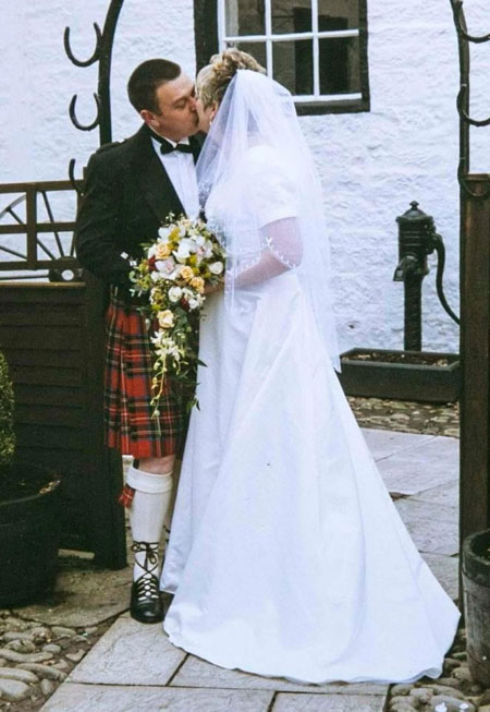 Chồng nói dối vợ bị ung thư để đi lấy vợ hai - 1