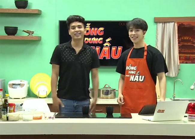 được phát sóng trực tiếp trên kênh V Việt Nam của V Live