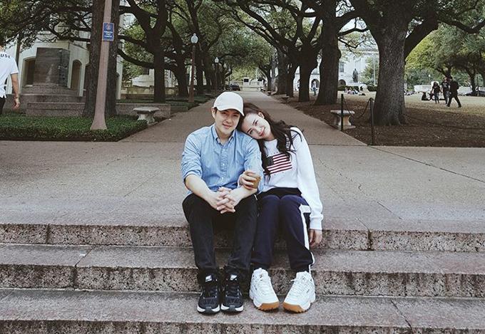 Đông Nhi đăng tải hình ảnh tình cảm bên Ông Cao Thắng để đếm ngược đến ngày kỷ niệm 9 năm bên nhau.