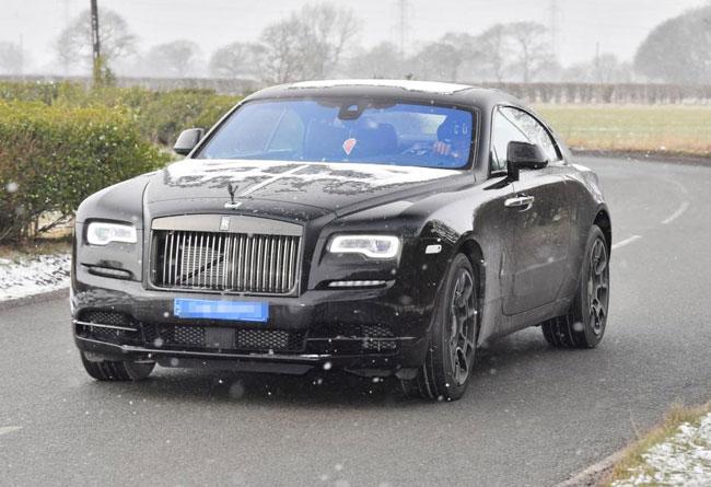 Paul Pogba đến sân tập trên chiếc Rolls Royce 250.000 bảng.