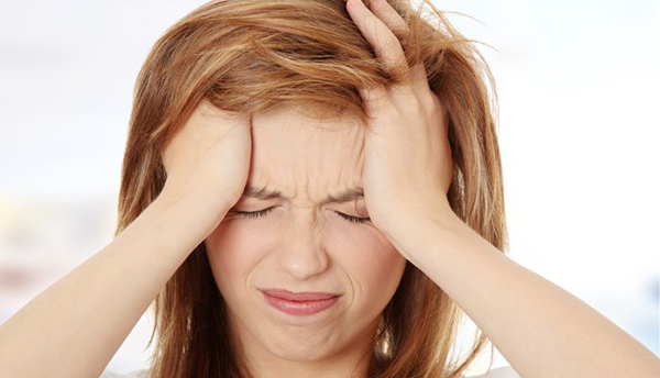 Rối loạn nội tiết tố Mỡ bụng càng tăng thì nội tiết tố trong cơ thể sẽ bị rối loạn. Nội tiết tố bị rối loạn không chỉ gây mất ngủ, dễ cáu gắt, da nổi mụn, xỉn màu da, thay đổi chu kỳ kinh nguyệt& mà còn có thể gây ra nhiều vấn đề nguy hiểm khác