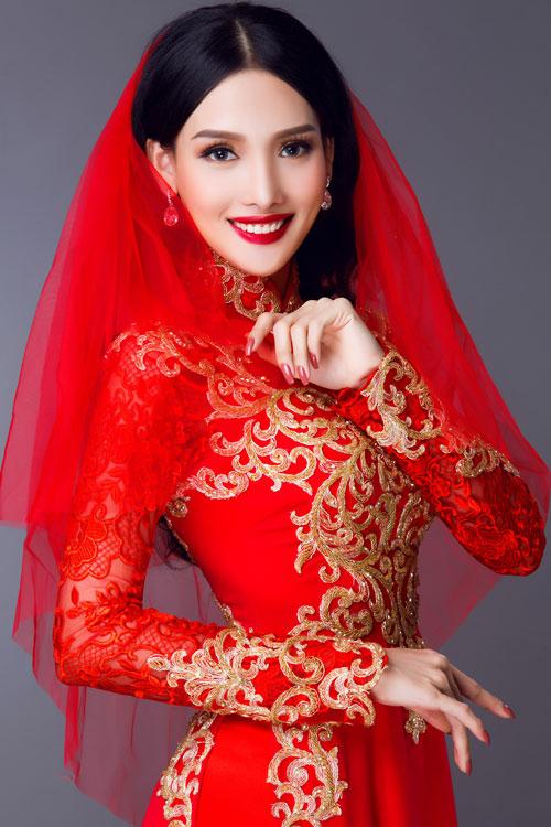 Áo dài cưới tay ren đang là xu hướng được các cô dâu yêu thích bởi nó tôn lên nét gợi cảm, yêu kiều.