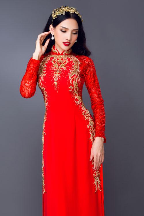 Bộ ảnh do Áo dài Minh Châu, trang điểm - làm tóc Tuyết Nhi, photo Bảo Lê và người mẫu Hoa khôi Lê Nhã Băng hỗ trợ thực hiện.