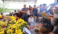 'Rắn thần' được Quảng Bình bắt khỏi ngôi mộ bà ăn xin