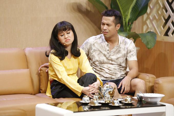 Ca sĩ Trương Thế Vinh tung hứng ăn ý cùng Lâm Vĩ Dạ trong chương trình này.