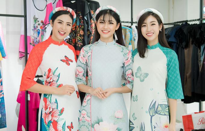 Ba người đẹp thường xuyên hỗ trợ nhau trong công việc. Với kinh nghiệm đi trước, Ngọc Hân còn cho Thanh Tú và Mỹ Linh nhiều lời khuyên bổ ích khi hoạt động trong showbiz.