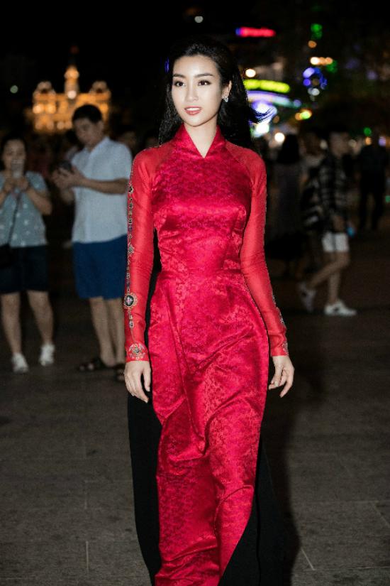 Dàn nghệ sĩ Việt tỏa sáng với áo dài