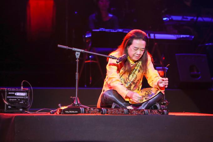 Quang Lê ngạc nhiên khi Trọng Tấn hát Bolero ngọt như mía lùi - 2