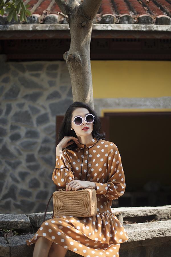 Nhân dịp ngày Phụ nữ Việt Nam 8/3, hai nhà thiết kế Tú Ngô và Nguyễn Minh Phúc đã dành tặng phái đẹp bộ sưu tập mới nhất của mình với cảm hứng lấy từ vẻ đẹp cổ điển.