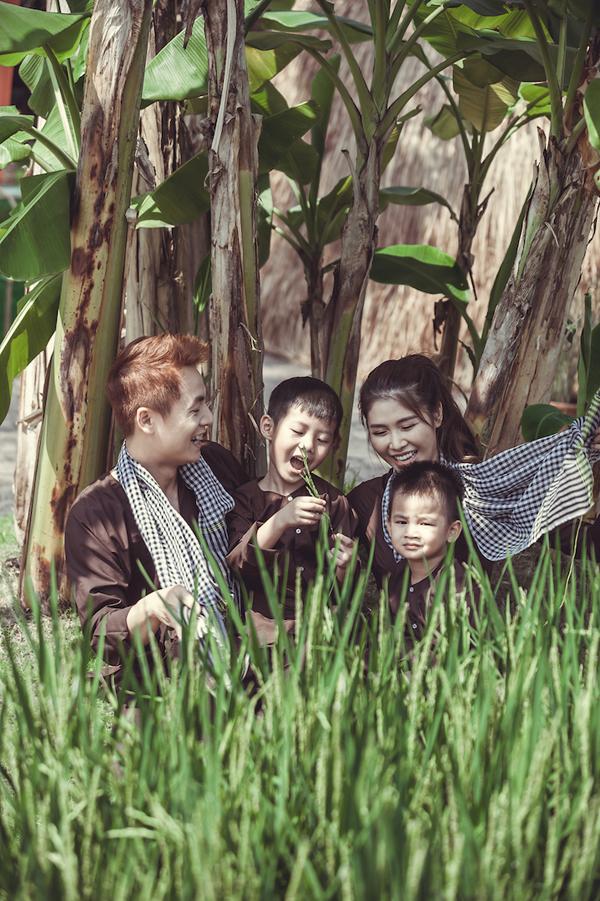 Vợ chồng Đăng Khôi đưa hai con về miền Tây tập làm nông dân - 8