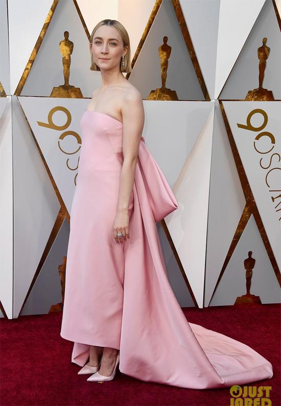 Saoirse Ronan - ngôi sao được đề cử Nữ diễn viên chính xuất sắc với phim Lady Bird.
